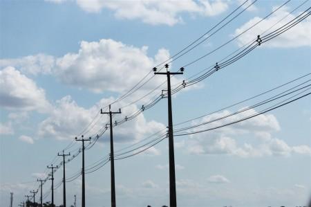 Prefeitura de Osvaldo Cruz inicia reparos em 1,5 mil postes