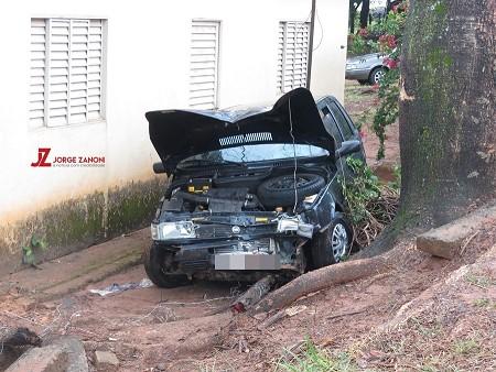 Mulheres ficam feridas ao se envolver em acidente em vicinal de Dracena