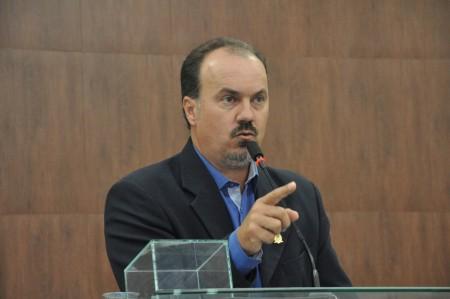 Sessão da Câmara entrega Moção de Aplauso ao prefeito Mazucato