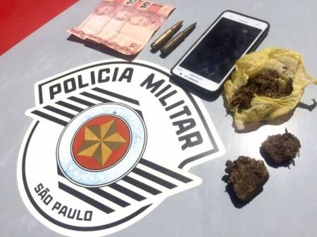 Polícia Militar prende homem de 20 anos por tráfico de drogas em Adamantina
