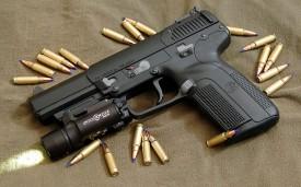 Munições de fuzil e de pistola são apreendidas em ônibus estacionado em garagem de empresa de transporte