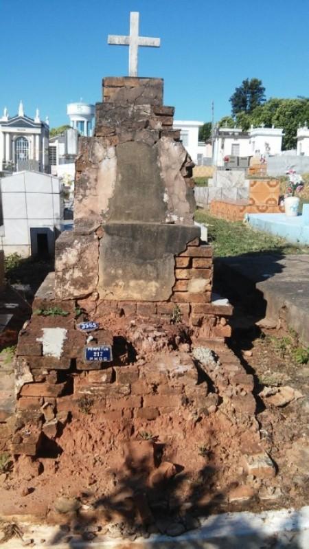 Executivo retira projeto que pretendia comercializar túmulos abandonados do Cemitério de Osvaldo Cruz