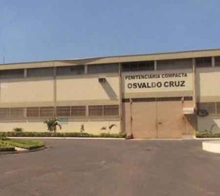 Detento de Dracena em trânsito por Osvaldo Cruz, para atendimento médico, passa mal e morre na Santa Casa