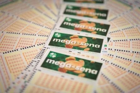 Mega-Sena, concurso 2.145: ninguém acerta as seis dezenas e prêmio vai a R$ 105 milhões