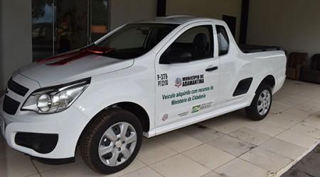 Lar dos Velhos de Adamantina recebe dois novos veículos zero km