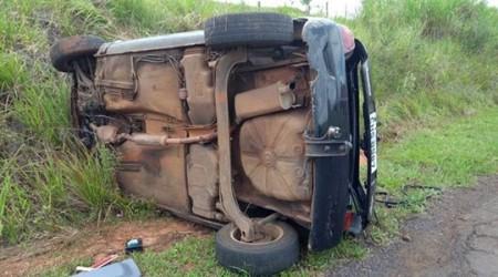 Capotamento deixa motorista ferido na vicinal Lagoa Seca