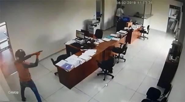 Polícia segue investigando roubo na CEROC de Osvaldo Cruz
