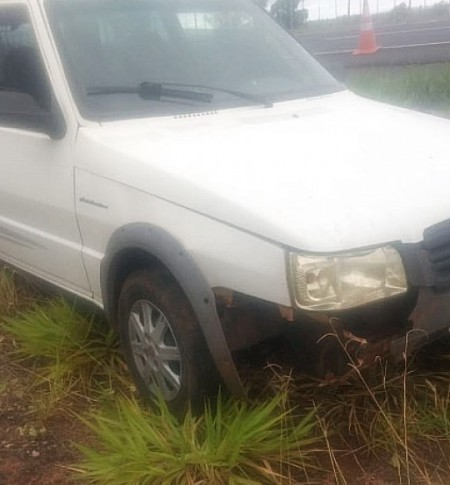 Carro e Caminhão se envolvem em colisão na SP-294, em Quintana