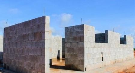 Primeiras casas da CDHU começam a ser edificadas em Salmourão