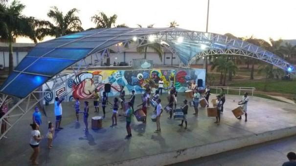 Mulata dengosa começa preparativo para o Carnaval 2019