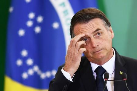 Bolsonaro comanda nova reunião ministerial nesta terça e deve assinar decreto sobre arma