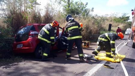 Grave acidente envolve quatro veículos na SP-294, em Osvaldo Cruz