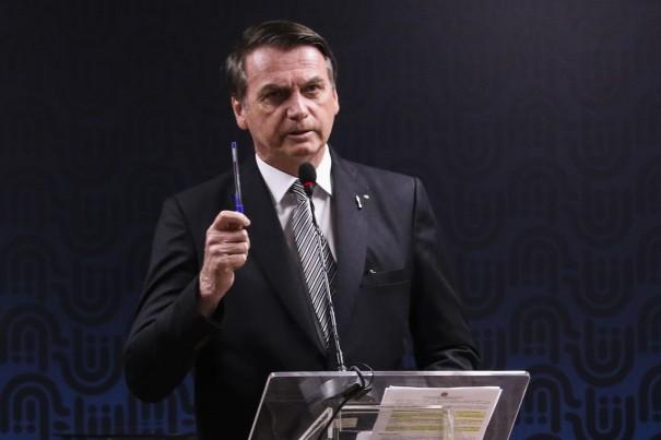 Bolsonaro diz que indicará evangélico para Supremo Tribunal Federal