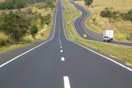 Obras de manutenção na SP-270 alteram tráfego de veículos em Presidente Prudente