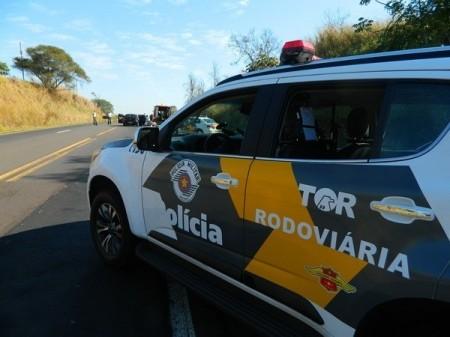 Duas mulheres ficam feridas em acidente na SP-294 em Flórida Paulista