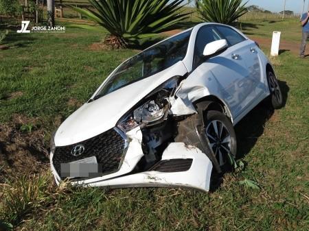 Acidente entre dois veículos deixa idoso ferido na via de acesso rotatória SP-294 a Tupi Paulista
