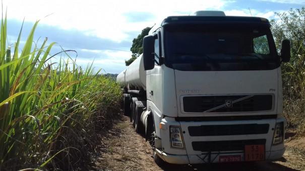 Polícia Rodoviária de Adamantina recupera caminhão roubado na SP-425