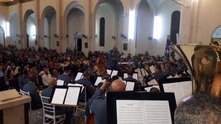 Banda Sinfônica da Polícia Militar se apresentou em Lucélia