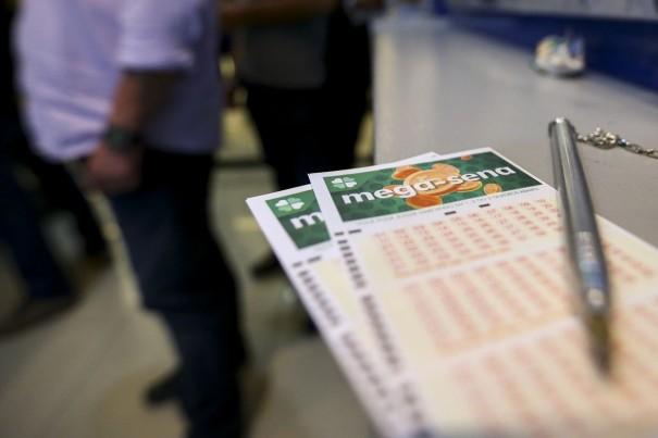 Mega-Sena acumula e vai pagar R$ 70 milhões no sábado