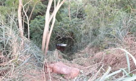 Moradores de Salmourão ficam feridos após carro cair em ribanceira de cerca de 30 metros de altura