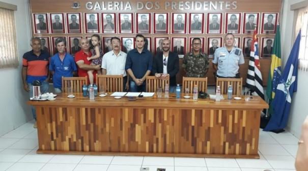 Prefeitura e Câmara de Lucélia realizam reunião sobre a reativação do Tiro de Guerra