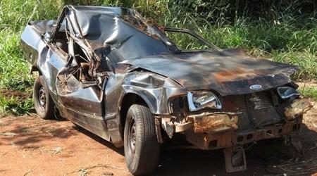 Motorista perde controle de carro e acidente deixa um morto e um ferido em rodovia da região