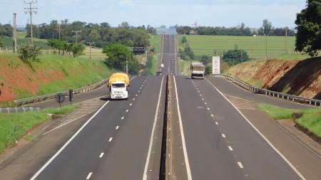 Obras de manutenção alteram o tráfego de veículos na Rodovia Raposo Tavares