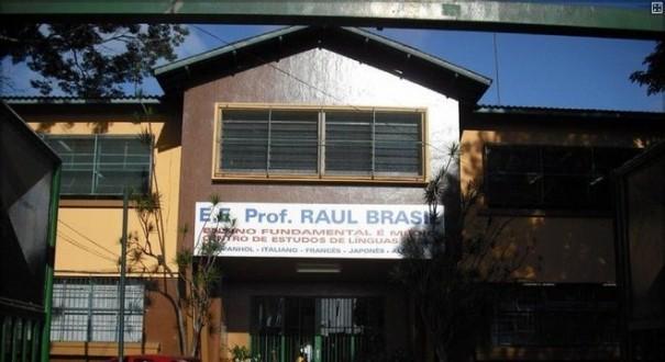 Adolescentes atiram dentro de escola em Suzano