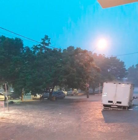 Chuva forte deixa ruas alagadas e assusta moradores de Tupã