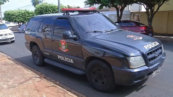 Com viatura caracterizada, policiais civis são presos escoltando carga de maconha