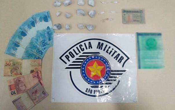Polícia Militar de Bastos apreende drogas e autua 28 veículos