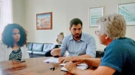 Prefeito de Salmourão busca recursos junto a Secretaria Estadual de Cultura para criação da Banda Marcial Municipal