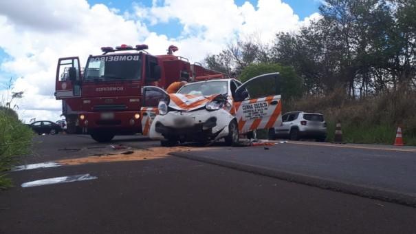 Mulher e criança morrem em acidente na SP-294, em Osvaldo Cruz