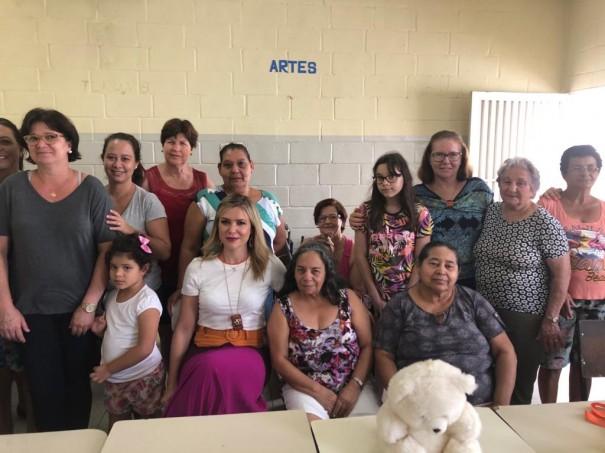 Polícia Civil realiza palestra sobre redes sociais na Casa da Mãe Nossa Senhora de Fátima em Adamantina.