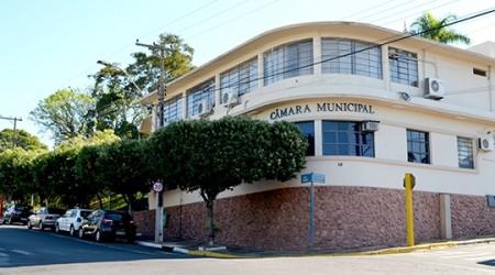 Câmara de Lucélia recebe dois novos pedidos para cassação do mandato do prefeito