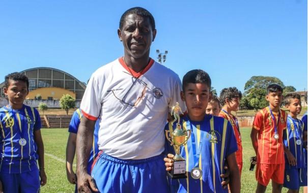 Policiais Militares de Salmourão desenvolvem projeto Renascer com crianças através do esporte