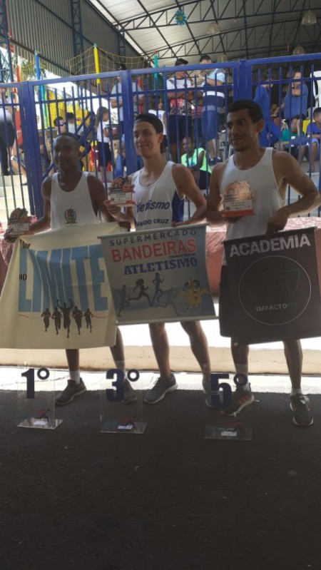 Atletas do Atletismo de OC participaram de Corrida de Rua em Luiziânia