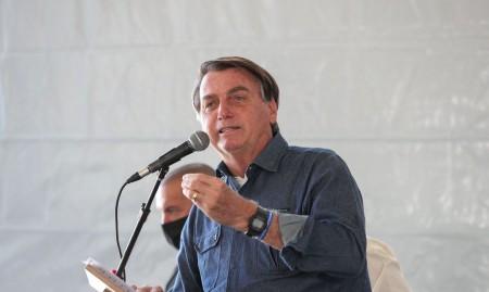 Bolsonaro: auxílio é 'pouco para quem recebe e muito para quem paga'