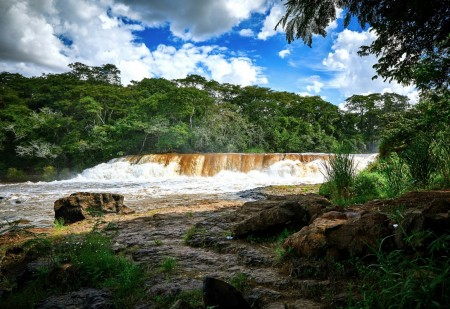 Lucélia cria Parque Natural Municipal Salto Botelho