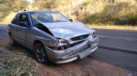 Acidente entre veículos de Osvaldo Cruz é registrado na SP-294