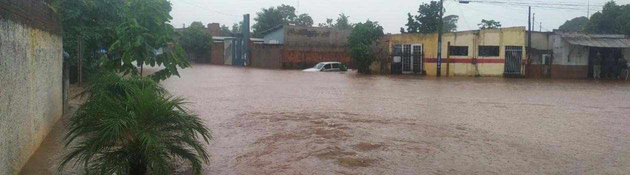 Chuva forte volta a causar transtornos em Osvaldo Cruz