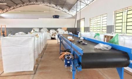 Barracão da reciclagem de Flórida Paulista entra em funcionamento e coleta seletiva é iniciada