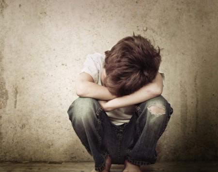 Justiça de Bastos condena pais por abandono, maus tratos e morte de filho incapaz