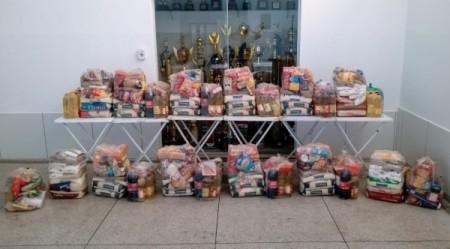 Jogo Solidário supera expectativas e beneficia 12 famílias com cestas de alimentos em Adamantina