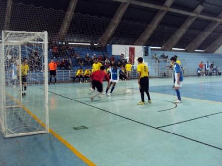 Começa hoje o Campeonato de Férias de Futsal 2020 de Osvaldo Cruz