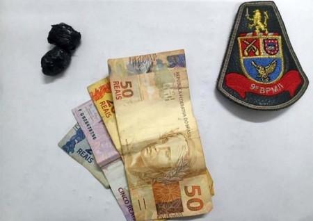 Polícia Militar de Iacri apreende maconha e dinheiro em posse de menor