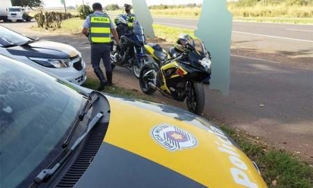 PM Rodoviária fiscaliza motos de alta cilindrada na 'Operação Cavalo de Aço'