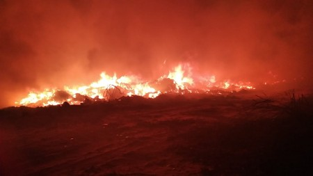 Incêndio destrói depósito ilegal de reciclagem, em Osvaldo Cruz