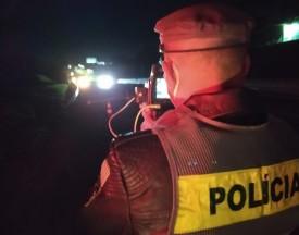 Fiscalização noturna em rodovias flagra 180 motoristas trafegando em excesso de velocidade
