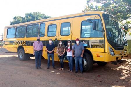 Mariápolis recebe novo ônibus escolar do Governo de SP
